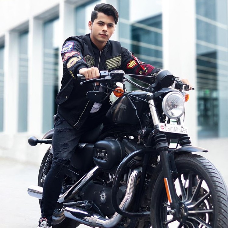 Siddharth Nigam ( Actor &   TikTok Star) Wiki, Age,Family,Career,Girlfriend,Biography, Networth and more