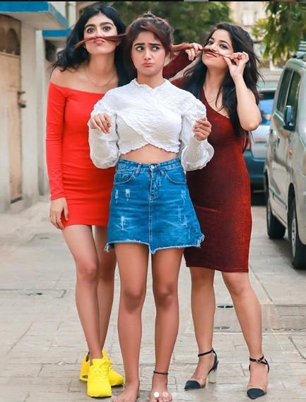 Nisha Guragain (TikTok Star) Wiki, Age,Family,Career,Biography,TikTok Id, Instagram,Songs,Boyfriend,Controversy and more