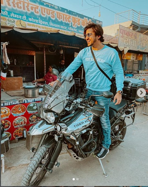 Mumbiker Nikhil(YouTuber)Real Name, Age,Wiki, Family,Career,Girlfriend,Biography,Bikes,Controversy and more