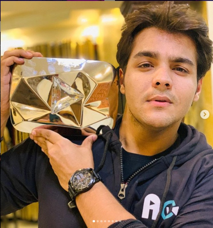 Ashish Chanchlani (YouTuber) Age,Wiki, Family,Career,Girlfriend,Biography and more