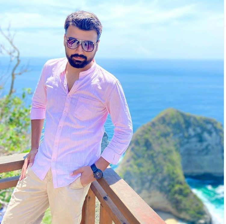 Kunal Chhabhria(YouTuber) Age,Wiki, Family,Career,wife,Biography, Physical stats, Business and more