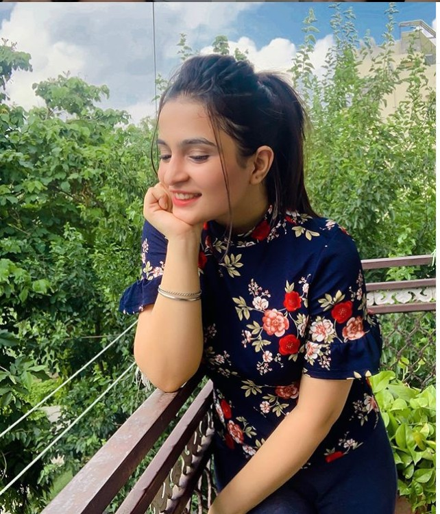 Kirti Mehra (Youtuber) Wiki, Age,Family,Career,Boyfriend,Biography, Height, Weight, Facts and more