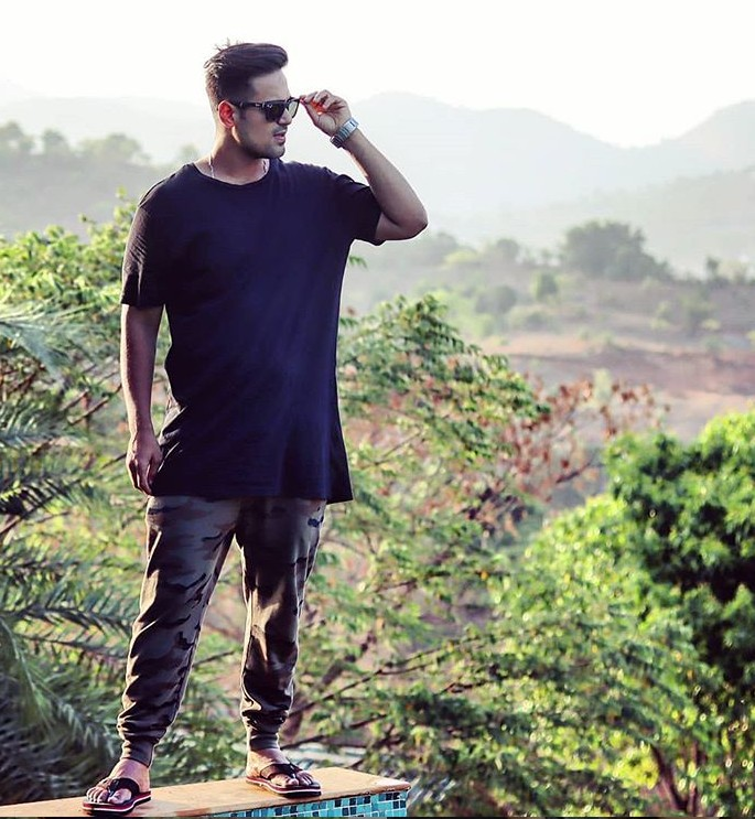 Akash Dodeja (Jadoo) Age,Wiki, Youtube, Family, Career, Girlfriend,Biography,Physcial stats and more