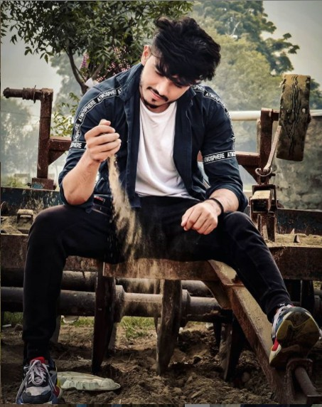 Devender Ahlawat Age,Wiki, Youtube, Family, Career, Girlfriend,Biography,Physical stats and more