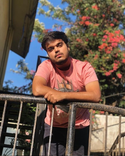 Jashan Sirwani(YouTuber) Age,Wiki, Family,Career,Girlfriend,Biography, Physical stats, Business and more