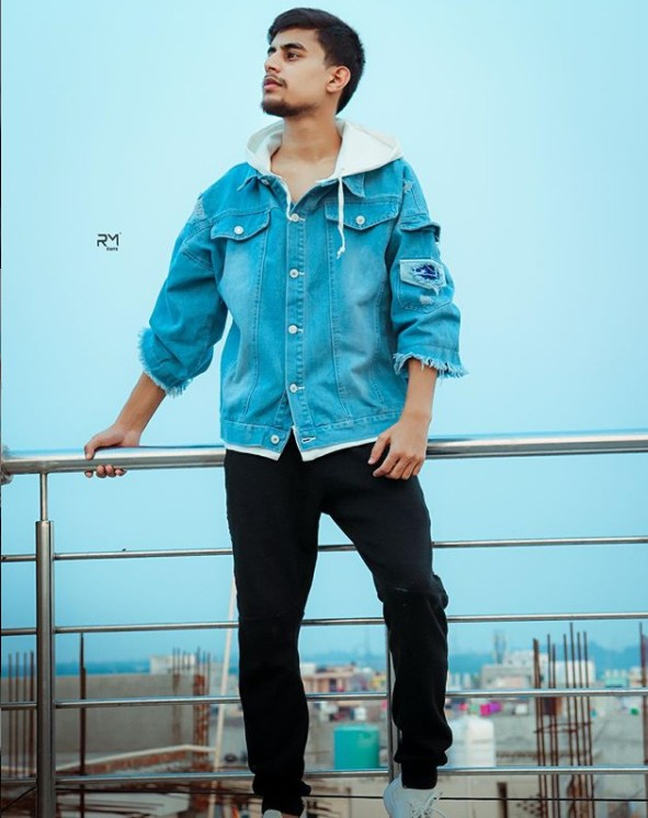 Anupam Rajput(YouTuber) Age,Wiki, Family,Career,Girlfriend,Biography, Physical stats and more
