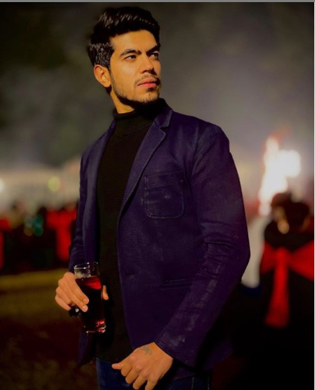 Sameer Monga (YouTuber) Age,Wiki, Family,Career,Girlfriend,Biography, Physical stats, Controversy and more