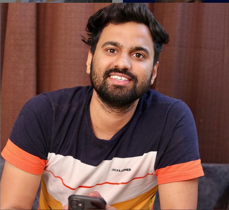 Akshay Yadav (YouTuber) Age,Wiki, Family,Career,Girlfriend,Biography, Physical stats and more