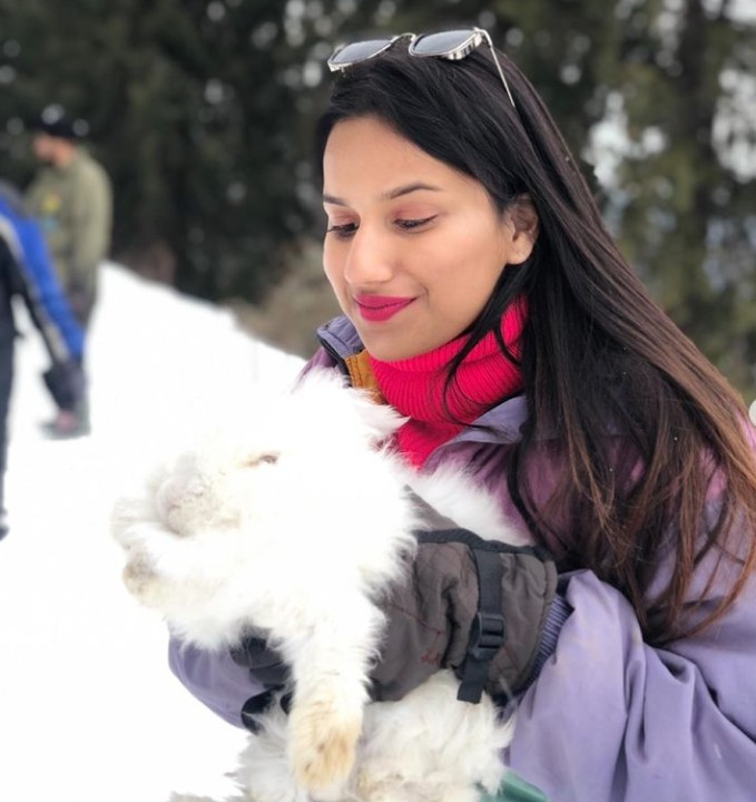 Simran Balar Jain Age, Wiki, Family, Career, Boyfriend, Biography,Physical stats, Cars, Family, Instagram Videos and Pics, Youtube Videos, Networth and more